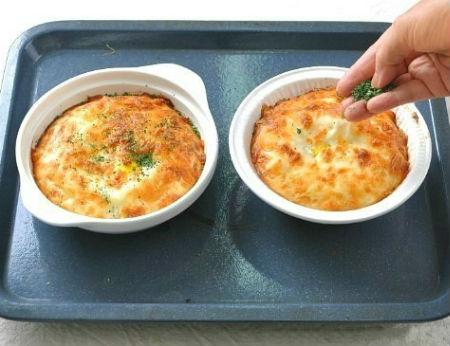 5 bước đơn giản làm bánh trứng phô mai ngon điên đảo