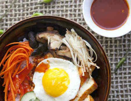 7 bước đơn giản làm cơm trộn Hàn Quốc ngon ngất ngây