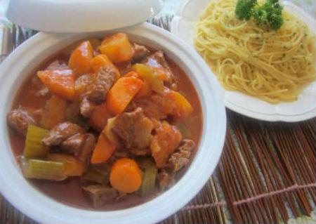 Buổi tối ngon miệng với món Bò hầm rau củ