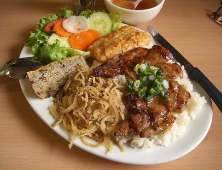 Những món ăn đặc trưng Sài Gòn thu hút du khách