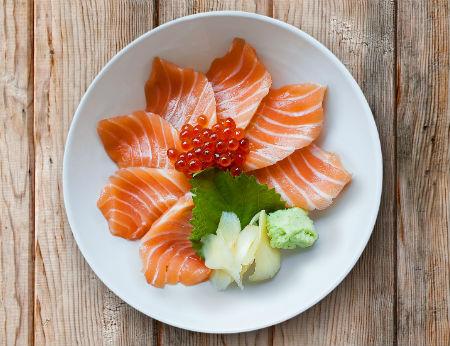Sashimi cá hồi chuẩn tươi ngon tại nhà