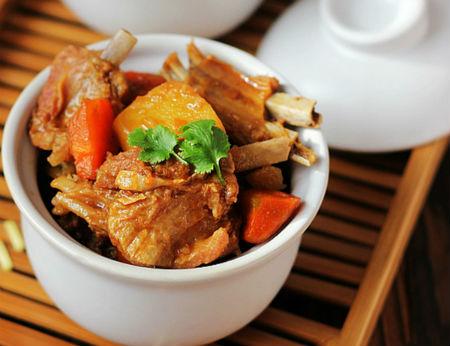 Sườn kho khoai tây đậm đà hao cơm