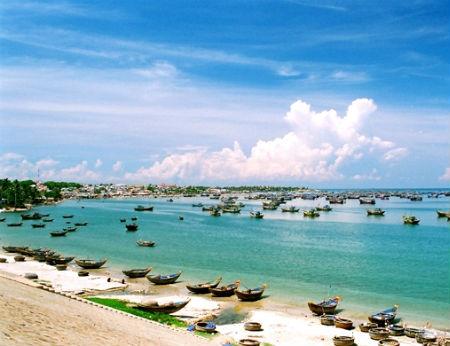 Đến Mũi Né hòa mình vào biển xanh, cát trắng, nắng vàng