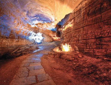 Khám phá hang động Belum ở Ấn Độ