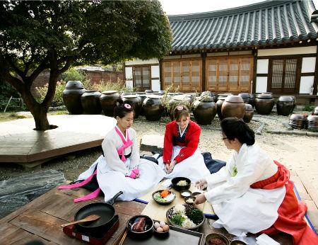 Lạc bước đến Jeonju ``viên ngọc quý`` của du lịch Hàn Quốc