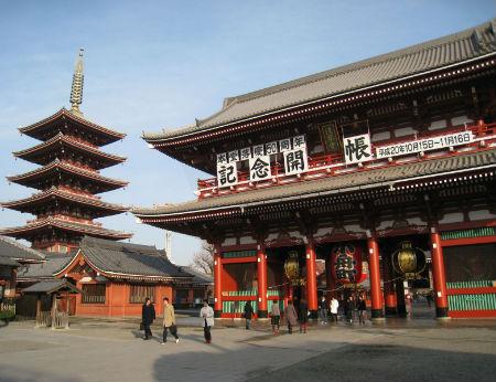 Thăm Sensoji – ngôi chùa cổ hút khách nhất Tokyo