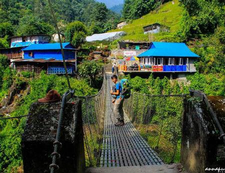Ngôi làng đẹp như tranh trên dãy Himalaya