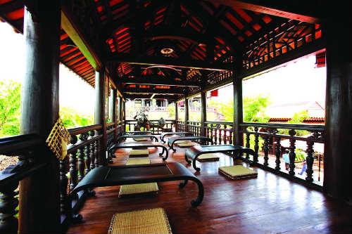 Nhà hàng cafe Cổ Gia Quý - Không gian độc đáo ở Sài Gòn3