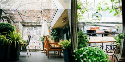 a book coffee, cafe sân vườn ở quận phú nhuận, địa chỉ quán cafe sân vườn ở quận phú nhuận