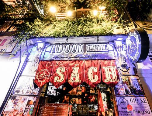 a book coffee, cafe sân vườn quận phú nhuận, địa chỉ quán cafe sân vườn quận phú nhuận