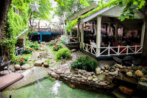 Quán café không gian đẹp quận Phú Nhuận - Miền Đồng Thảo
