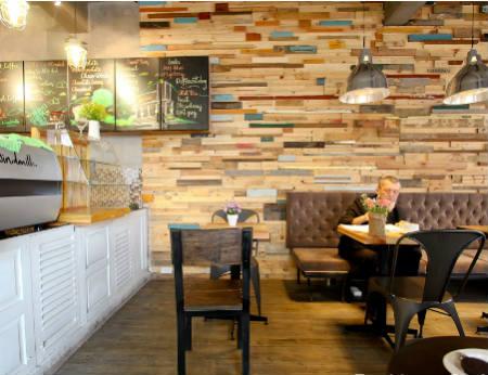 Windmills Cafe - Phong cách năng động cho bạn trẻ