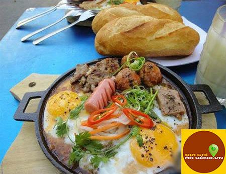 Bánh mỳ chảo và món ngon Việt Hoa – quán cô 3 Hậu