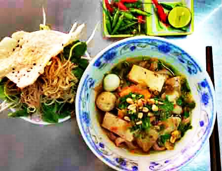 Mì Quảng 284 Lê Văn Sỹ - Mì Quảng ngon quận 3