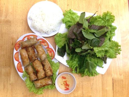 Lẩu Bò Riêu Cua Sụn Sườn Sân Bay - Món ngon đúng vị Hà Nội