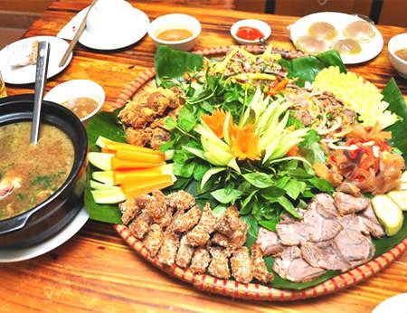Rạng Đông Quán - Đặc sản Heo tộc, Dê và Cua